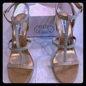 Steve Madden brand new shoes, champagne color